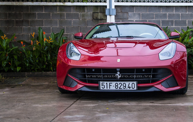 Nguyên bản, Ferrari F12 Berlinetta được trang bị động cơ V12, dung tích 6,3 lít, sản sinh công suất tối đa 730 mã lực tại vòng tua máy 8.250 vòng/phút và mô-men xoắn cực đại 690 Nm.Kết hợp cùng hộp số ly hợp kép 7 cấp với thời gian sang số cực nhanh, Ferrari F12 Berlinetta mất khoảng 3,1 giây để tăng tốc lên 100 km/h từ vị trí xuất phát trước khi đạt vận tốc tối đa 340 km/h.