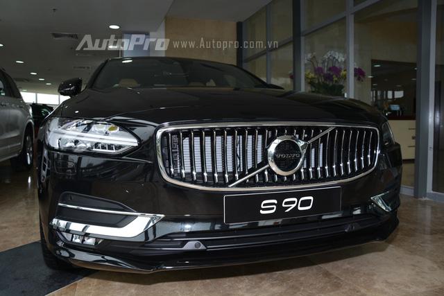 Volvo S90 2017, đối thủ Mercedes-Benz E-Class, chốt giá 2,7 tỷ Đồng ở Việt Nam - Ảnh 4.