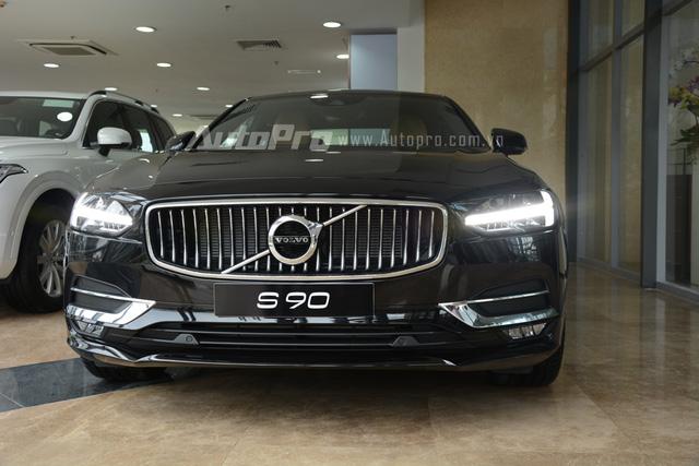 Volvo S90 2017, đối thủ Mercedes-Benz E-Class, chốt giá 2,7 tỷ Đồng ở Việt Nam - Ảnh 2.