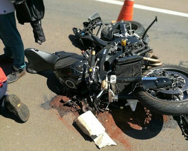 Suzuki GSX-R750 được cho là chạy ở vận tốc lên đến hơn 180 km/h khi vụ tai nạn xảy ra.