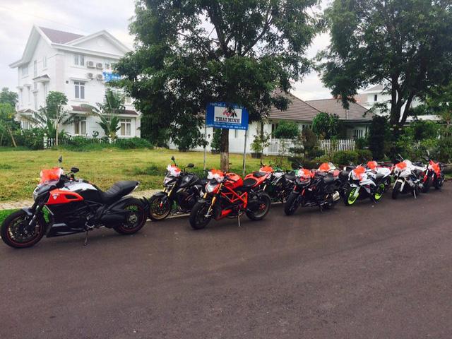 Bên cạnh đó là dàn mô tô phân khối lớn đến từ các thương hiệu như Ducati, Kawasaki Z1000, Suzuki, Honda CB1000R, Yamaha R1 và BMW S1000RR.