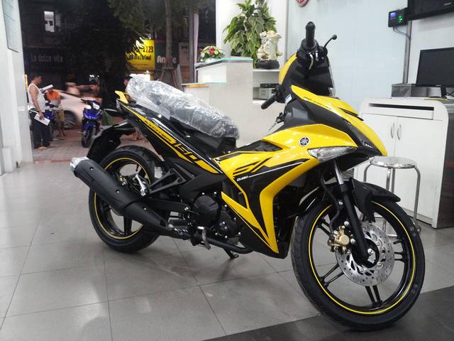 Yamaha Exciter 150 RC 2017 có màu vàng xuất hiện nhiều hơn ở ngoại hình.