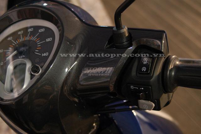 Trên phiên bản Deluxe và Premium còn có trang bị là hệ thống ngắt động cơ tạm thời SSS (Stop & Start System). Chế độ này sẽ tạm ngừng động cơ quá 5 giây và khởi động lại khi vặn tay ga.