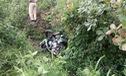 Lâm Đồng: Rơi xuống vực, Kawasaki Ninja ZX-10R gãy đôi, 2 thanh niên tử vong