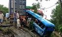Hòa Bình: 2 xe container lao vào hiện trường tai nạn, nhiều người bị thương