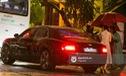 Vợ chồng ca sỹ Lệ Quyên xuất hiện cùng xe sang tiền tỷ Bentley Flying Spur V8 mới tậu
