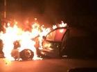 Đang chạy, xế sang Lexus bất ngờ bốc cháy dữ dội, trơ khung