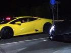 """Cuộc chiến """"bò tót"""" giữa siêu xe Lamborghini Veneno và Huracan"""