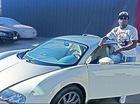 Võ sỹ Floyd Mayweather khoe bộ ba Bugatti Veyron tại nhà