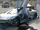 Lamborghini Murcielago bị đâm bẹp đầu, nát đuôi