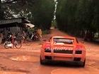 Xót xa với cảnh Lamborghini Gallardo lội bùn lầy tại Campuchia