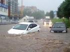 5 điều cần lưu ý khi lái xe ô tô qua vùng ngập nước
