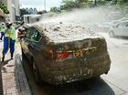 Va chạm với xe tải, BMW 535i ngập trong bùn đất