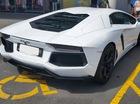 """Bị """"ném đá"""" vì đỗ Lamborghini Aventador vào chỗ cho người tàn tật"""