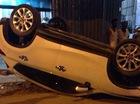 Hà Nội: Đâm 2 xe máy và 1 xe đạp, Mazda CX-5 lật ngửa