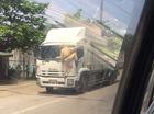 Nóng trong ngày: CSGT bám trên đầu xe tải tại Hà Tĩnh