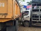 Nóng trong ngày: Ô tô tải chở xe máy Honda va chạm với xe ben