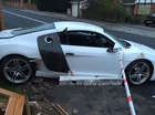 Thiếu gia 19 tuổi say rượu, đâm siêu xe Audi R8 vào nhà dân