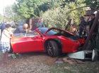 Siêu xe Ferrari 458 Spider gây tai nạn, nhà dân xung quanh mất điện