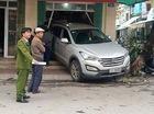 Tuyên Quang: Hyundai Santa Fe lùi vào cửa hàng đồng mỹ nghệ