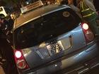 Hà Nội: Taxi đâm cô gái rồi bỏ chạy, bị người dân truy đuổi