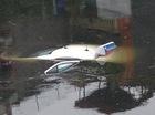 Hà Nội: Xe taxi Group chìm nghỉm dưới sông Tô Lịch