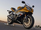 Cặp đôi Yamaha YZF-R6 và Super Tenere màu mới ấn tượng hơn