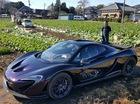 Đại gia Nhật lái siêu xe triệu đô McLaren P1 đi thăm trang trại