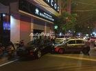 Hà Nội: Một taxi đâm liên tiếp 2 xe sang của Đức