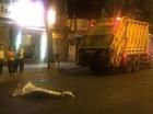 TP. HCM: Lao ra đường tự tử, nam thanh niên bị xe rác cán tử vong