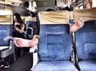 """Những bàn chân """"xấu xí"""" trên các chuyến tàu xe"""