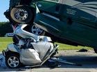 Hình ảnh xe bán tải bị vo tròn trong tai nạn liên hoàn được chia sẻ chóng mặt