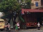 """Mất lái, container đâm """"xuyên thủng"""" 3 nhà dân lúc rạng sáng"""