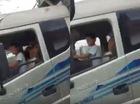 Đoạn video con lái xe tải cho bố ngủ gây tranh cãi trên mạng xã hội