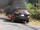 Từ Hà Nội lên Hà Giang, Hyundai Santa Fe bốc cháy trơ khung