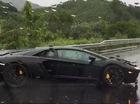 Lamborghini Aventador đâm vào dải ta-luy trong cơn mưa lớn