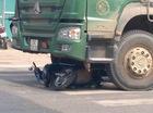 Hà Nội: Bị ô tô tải kéo lê hơn 20 mét, người đàn ông đi xe máy tử vong