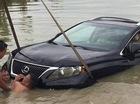 Hà Nội: Hai xe SUV tiền tỷ Lexus RX350 gặp nạn