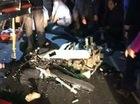 Đâm vào ô tô khách, 3 thanh niên đầu trần đi xe máy tử vong