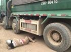 Hà Nội: Người phụ nữ mang thai 7 tháng bị cuốn vào gầm xe tải, nát chân
