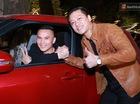 Tuấn Hưng mua Suzuki Swift tặng nhạc sỹ Tú Dưa