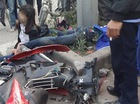 Ninh Bình: Học sinh không mũ bảo hiểm, chở 3, tông vào cột điện