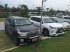 Cặp đôi Lexus Việt - Toyota Lào biển đẹp sánh đôi tại Việt Nam