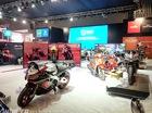 Soi trước dàn xe Moto Guzzi và Aprilia sắp bán tại Việt Nam