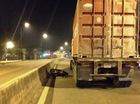 Đi đám ma về, nam công nhân bị container cán chết