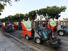 """""""Siêu xe"""" tiền tỷ dọn rác trên đường Hà Nội"""
