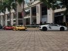 Câu lạc bộ Lamborghini Sài thành lần đầu tiên tụ tập, siêu xe kín một góc phố như ở Dubai
