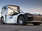 Volvo Iron Knight - Chiếc xe đầu kéo nhanh nhất thế giới
