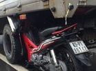 Xe máy tông cắm đầu vào gầm ô tô, hai người nguy kịch