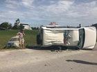 Hà Tĩnh: Toyota Fortuner đâm lật xe cảnh sát rồi lao xuống ruộng
